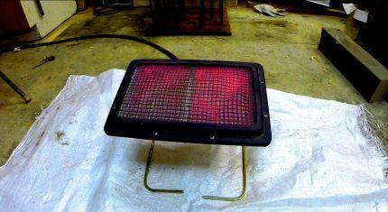 Инфракрасная газовая плитка в гараже