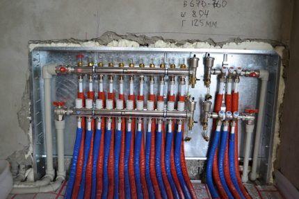 Коллектор комбинированной системы отопления
