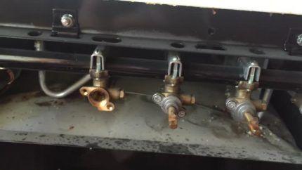 Газовые краники плиты