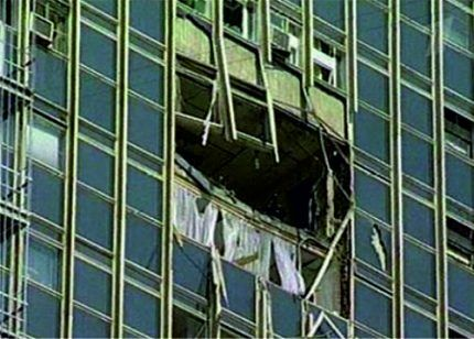 Разрушенные легкосбрасываемые окна