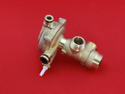 Трехходовой газовый клапан