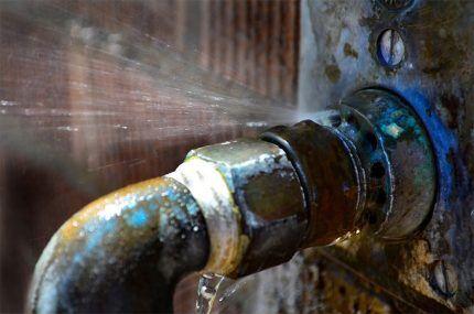 Течь - причина падения давления в контуре отопления