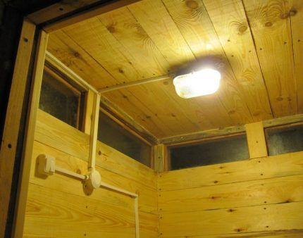 Освещение в дачном туалете