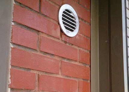 Установка стенового клапана вентиляции
