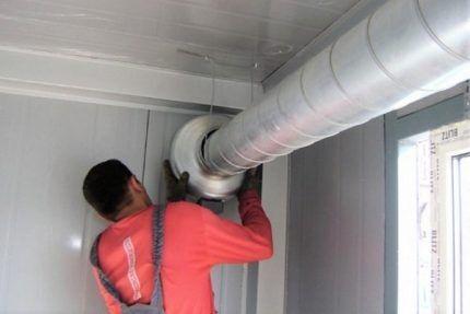 Монтаж круглого канального вентилятора