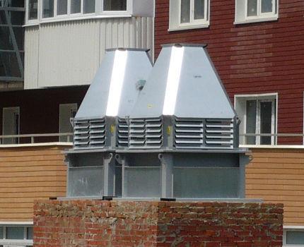 Кирпичный стакан крышного вентилятора