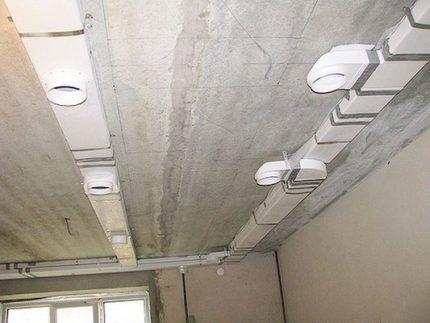Устройство вентиляционных каналов по потолку