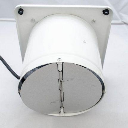 Обратный клапан вентилятора
