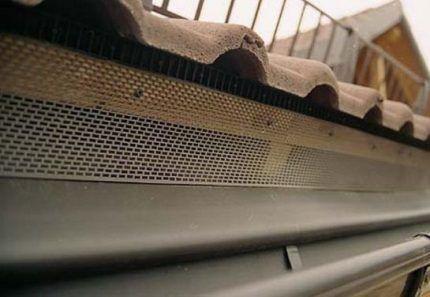 Решетка для коньковой вентиляции