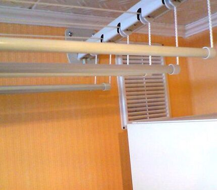 Вентиляция в гардеробной комнате без окна и с окном