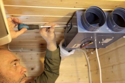 Монтаж вентиляции на даче