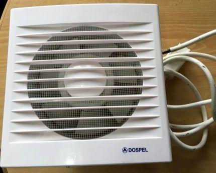 Пластиковый накладной вентилятор