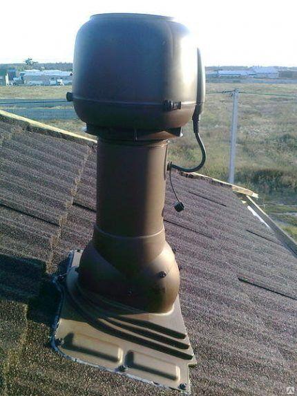 Вентиляционный выход с электрическим вентилятором
