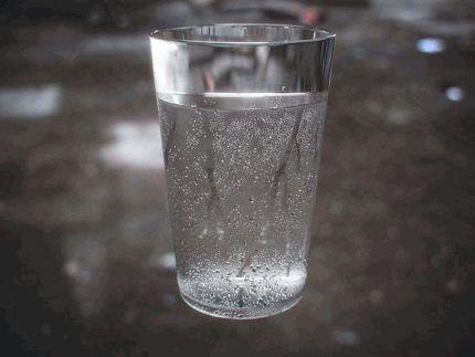Измерение влажности стаканом с водой