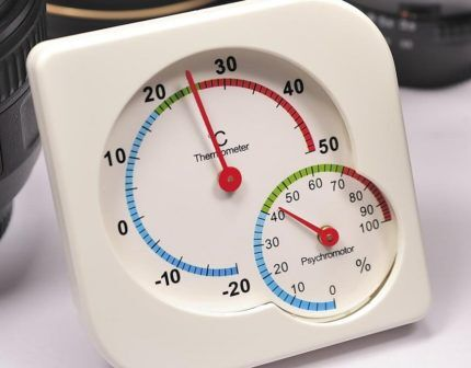 Термометр-гигрометр воздуха