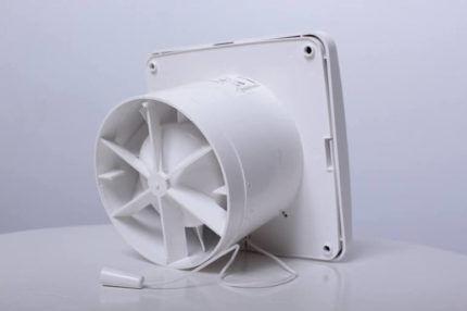 Вытяжной вентилятор для вентиляции
