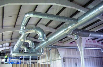 Воздуховоды на промышленном объекте