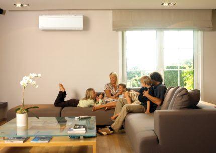 Сплит-система в гостиной
