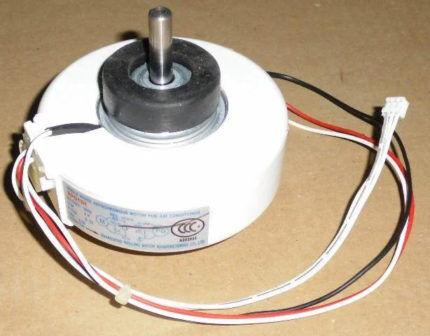 Двигатель вентилятора внутреннего блока