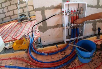 Опрессовка контуров теплого водяного пола