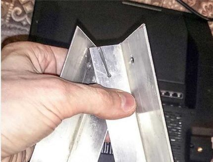 Металлические уголки для кронштейна