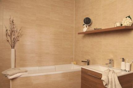 Экран для ванной из пластиковых панелей
