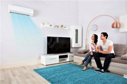 Движение охлажденного воздуха в комнате