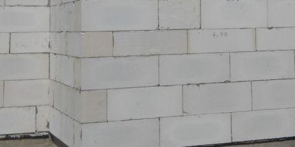 Газобетонная кладка со швами правильной толщины