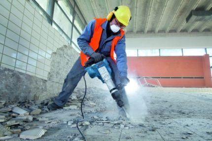 Демонтаж поверхности отбойным молотком