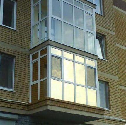 Балкон с зеркальной тонировкой