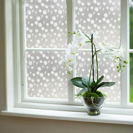 Декоративная пленка на окне