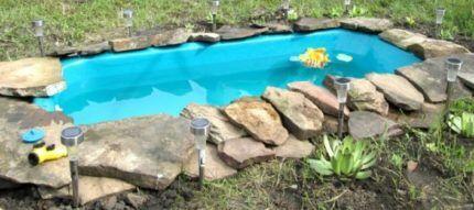 Мини-бассейн из старой ванны