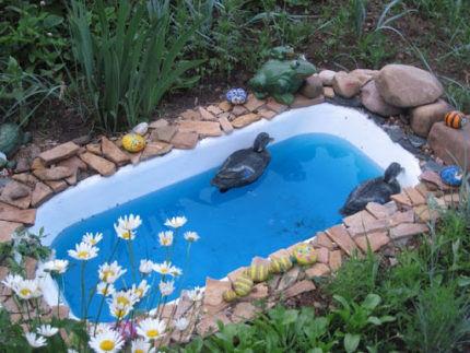 Мини-пруд из ванны
