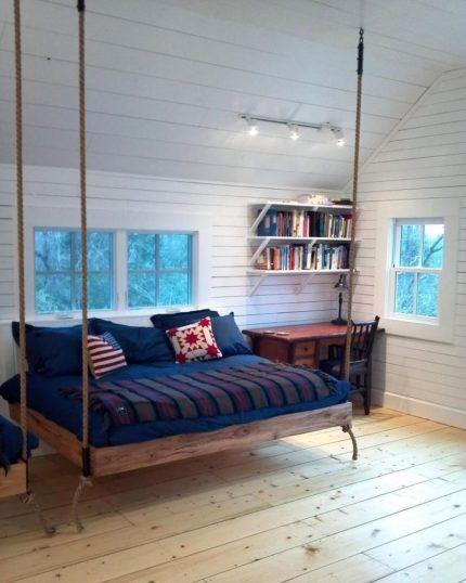 Подвесная кровать на канатах
