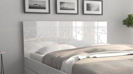 Кровать с изголовьем из МДФ