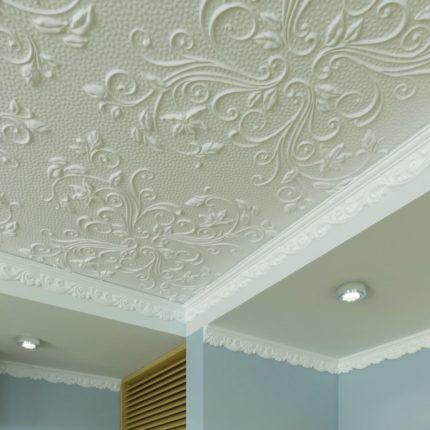 Красивая плитка на потолке