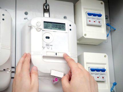 Показания электрического счетчика