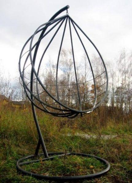 Качеля сферической формы