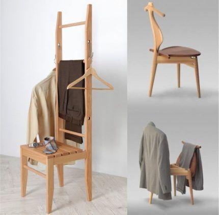 Вешалка из деревянного стула