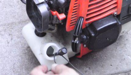 Как извлечь топливный фильтр