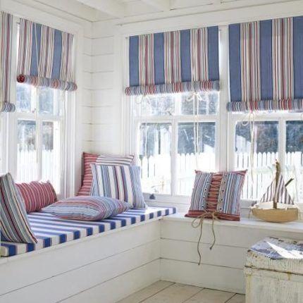 Рулонные шторы из ткани в полоску