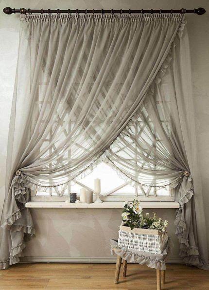 Классические шторы со скрещенными полотнами