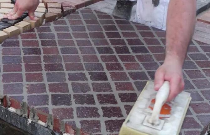 Затирка швов цветной тротуарной плитки